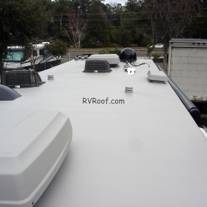 Finished-sprayed-rv-roof-FlexArmor