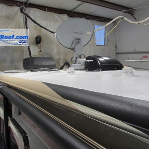 Redwood-fifth-wheel-with-3-custom-colors-and-lifetime-no-leak-rv-roof-FlexArmor
